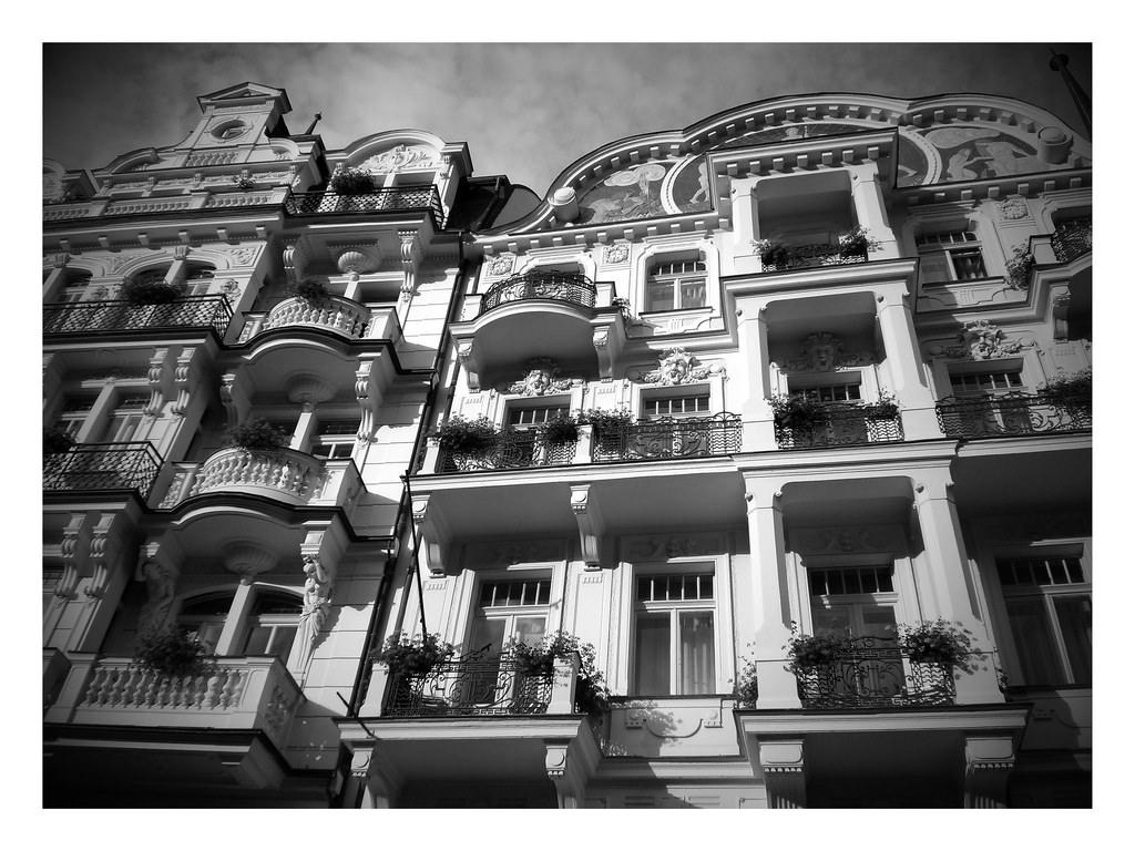 Karlovy Vary black and white